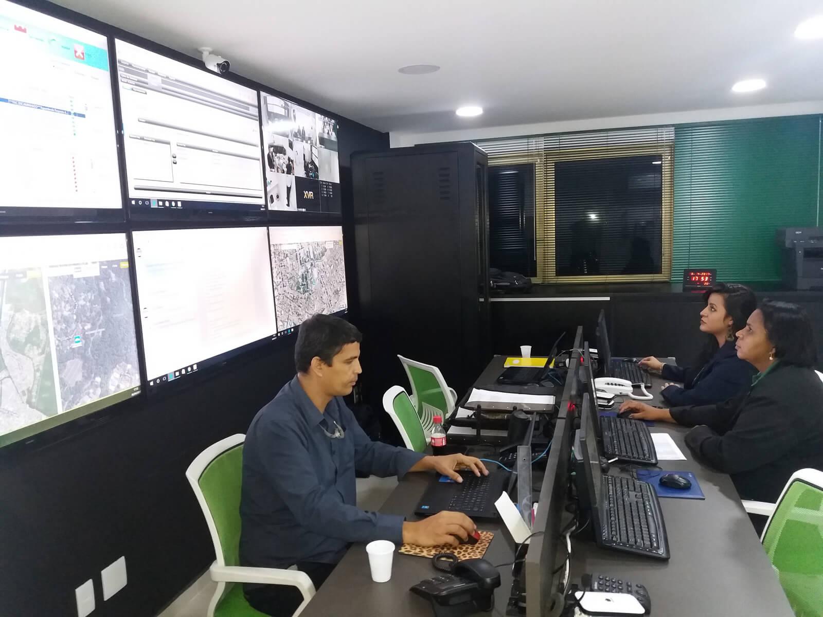 Fundo 3 -Informeservice - Segurança e Eletronica